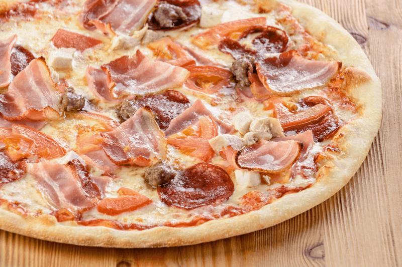 Пицца с мясом и сыром рецепт